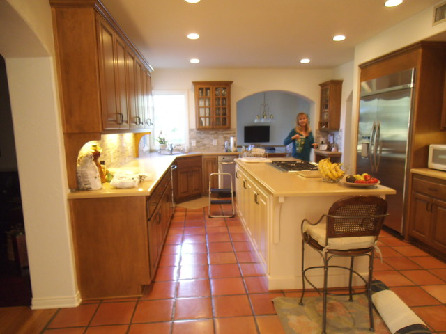 Pacific Palisades Kitchen Face Lift traditional-kitchen