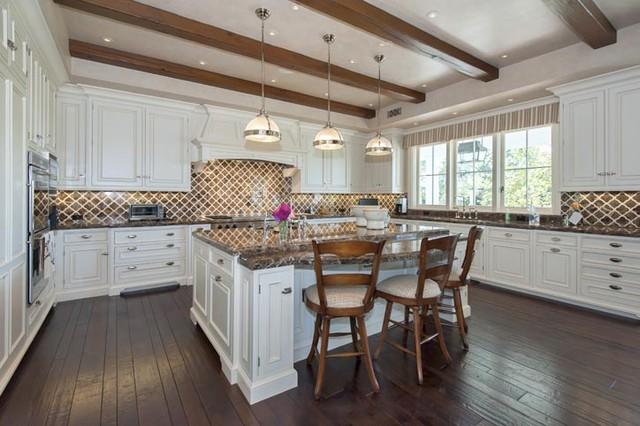 Pacific Palisades - Traditional White Kitchen traditional-kitchen