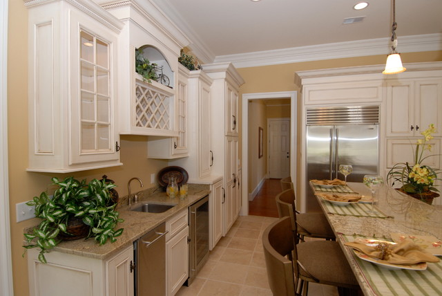 Paint with Glaze traditional-kitchen