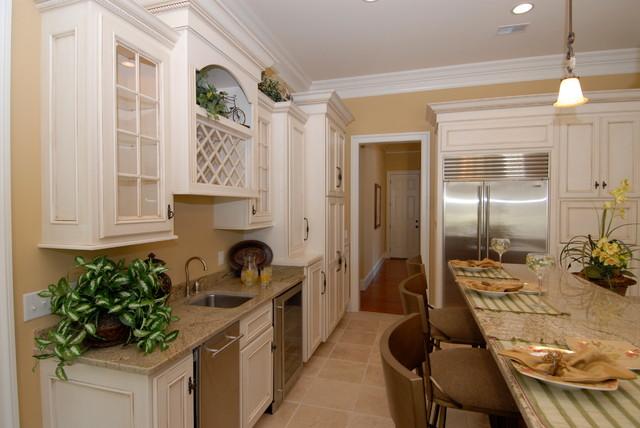 Antique White with Chocolate Glaze Kitchen  Traditional  Kitchen