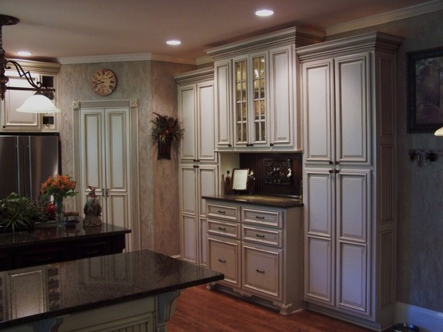 Painted and Glazed kitchen Cabinets - Traditional - Kitchen ...