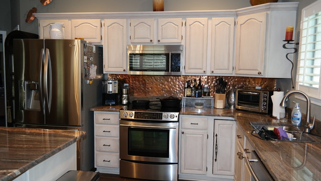 Painted and glazed oak kitchen cabinets traditional for Kitchen cabinets new orleans