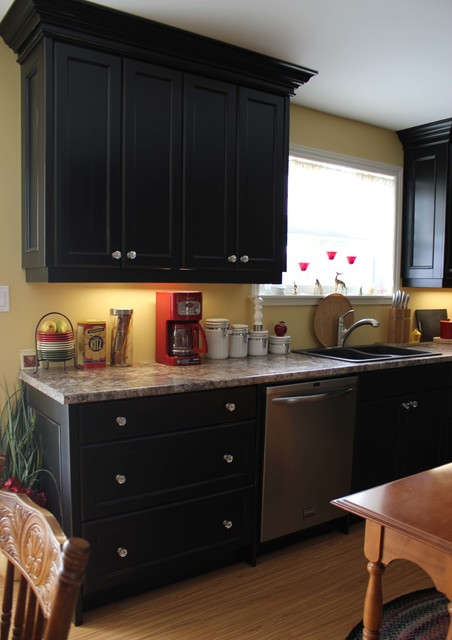 Painted black cottage - Traditional - Kitchen - toronto - by Hawkins Cabinetry and Design