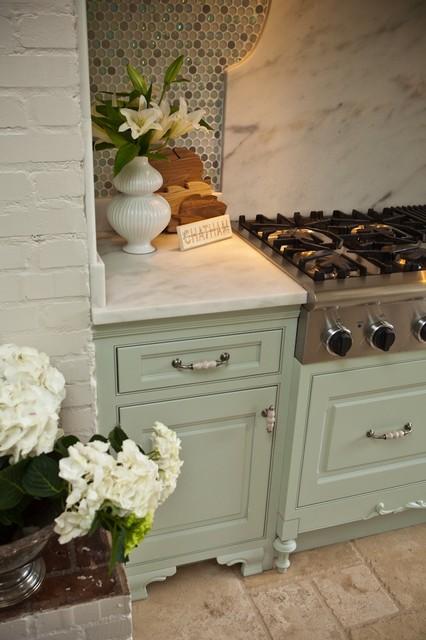 Jennifer Rausch traditional-kitchen