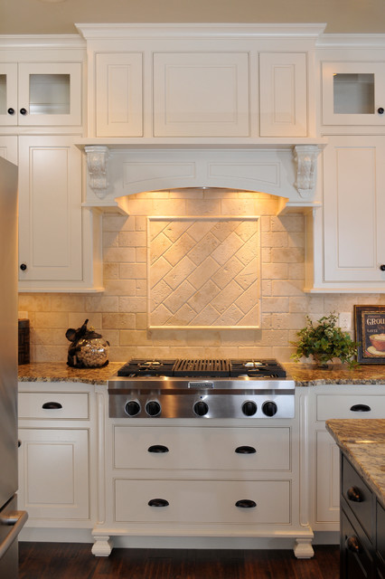 Superbe Painted Wood Range Hood