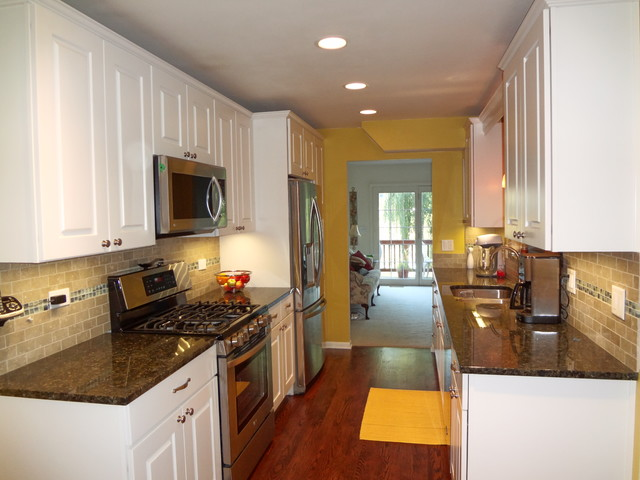 Palatine galley kitchen for Traditional galley kitchens