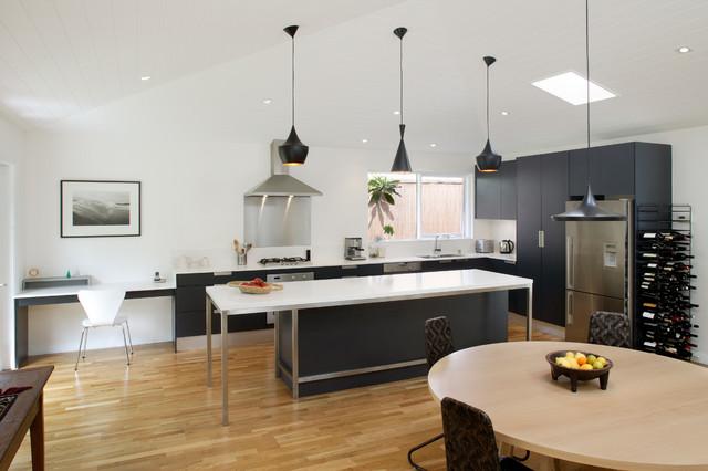 Palm Beach - Midcentury - Kitchen - Sydney - by Collaroy Kitchen Centre