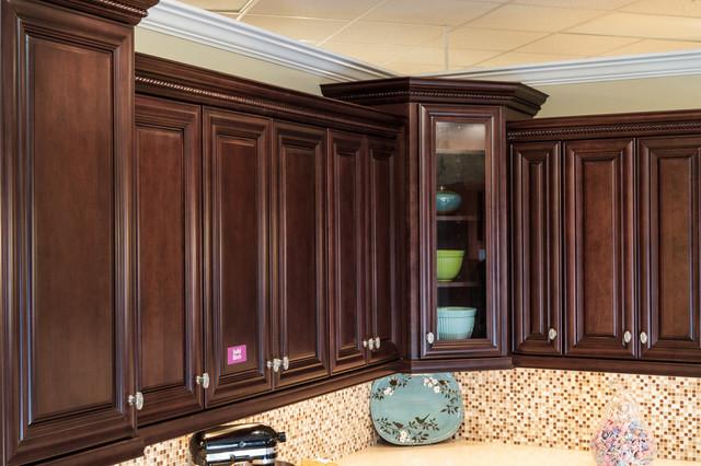 Palm Beach Dark Chocolate Kitchen Cabinets  Traditional  Kitchen