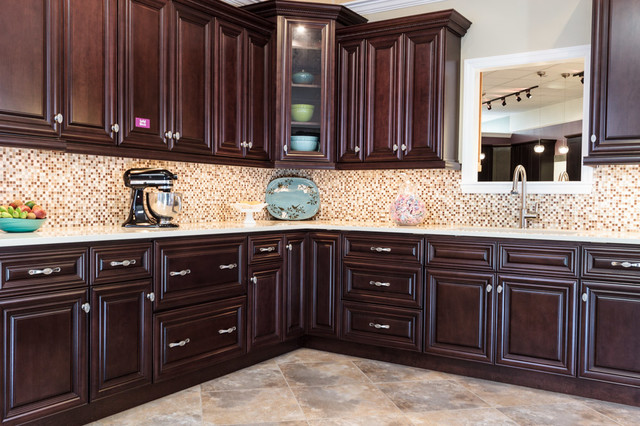 Palm beach dark chocolate kitchen cabinets traditional for Kitchen cabinets 75 off