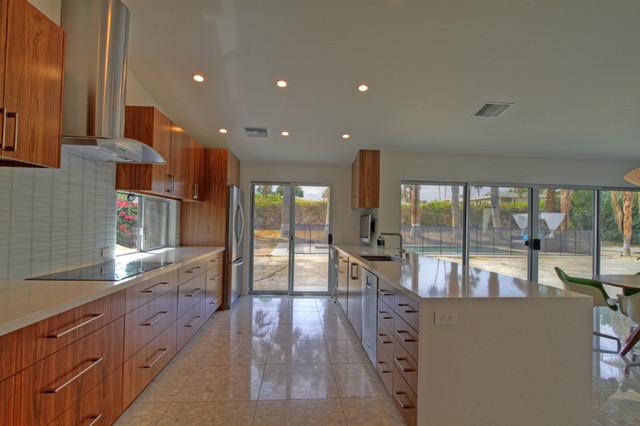 Palm Desert Modern Kitchen