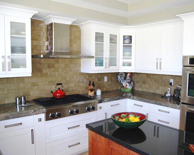 Palm Desert Transitional Kitchen Traditional Kitchen Los Angeles By Cedar Hill Cabinets