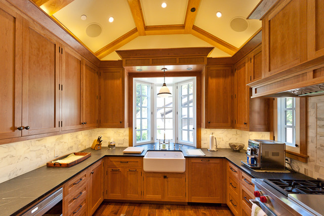 Palo Alto Tudor traditional-kitchen
