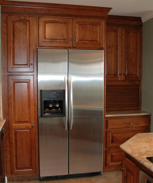 Pantry traditional-kitchen