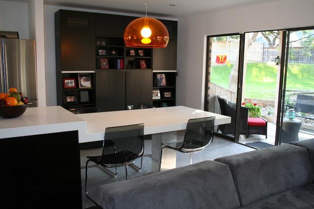 Paola DeValdenebro modern-kitchen