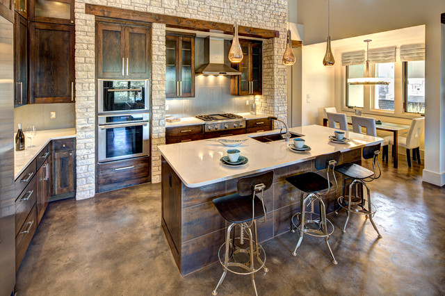 Ordinaire Large Elegant L Shaped Concrete Floor Eat In Kitchen Photo In Austin With An
