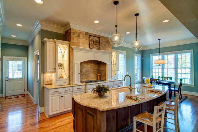 Example Of A Classic Kitchen Design In Charlotte With Granite Countertops