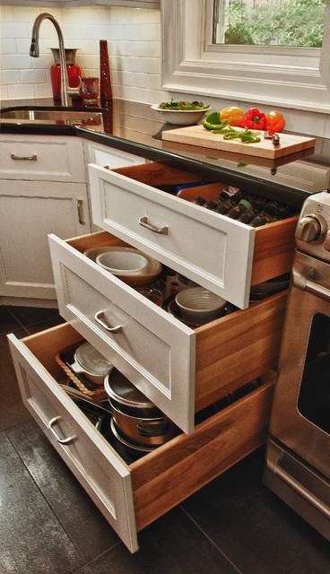 Paragon Kitchen traditional-kitchen