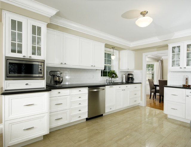 Paragon kitchens transitional kitchen toronto by for White kitchen cabinets with crown molding