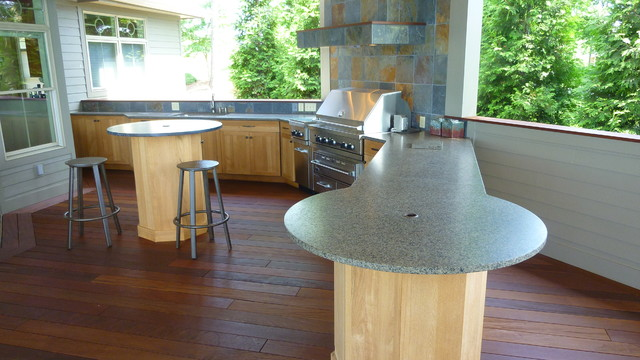 Park Place outdoor kitchen traditional-kitchen