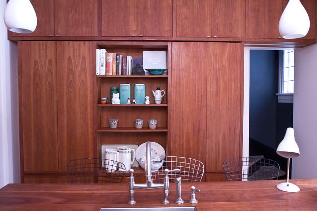 Modern Kitchen by Jenn Hannotte / Hannotte Interiors