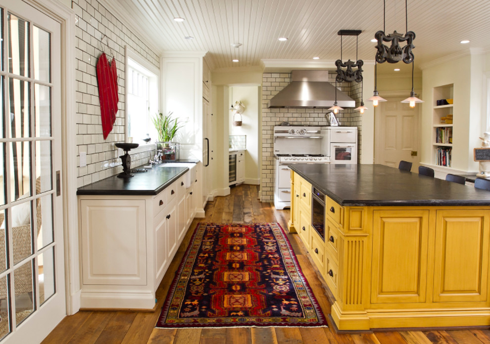 Pasadena Ca Traditional Kitchen Farmhouse Kitchen Los Angeles By Eaton Designs