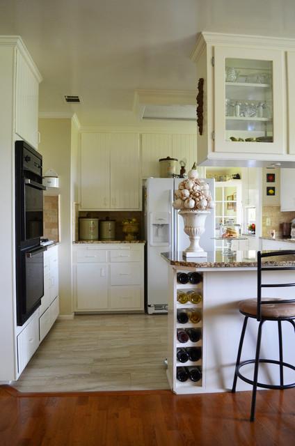 Paso Robles, CA: Terry & Sue Minshull farmhouse-kitchen