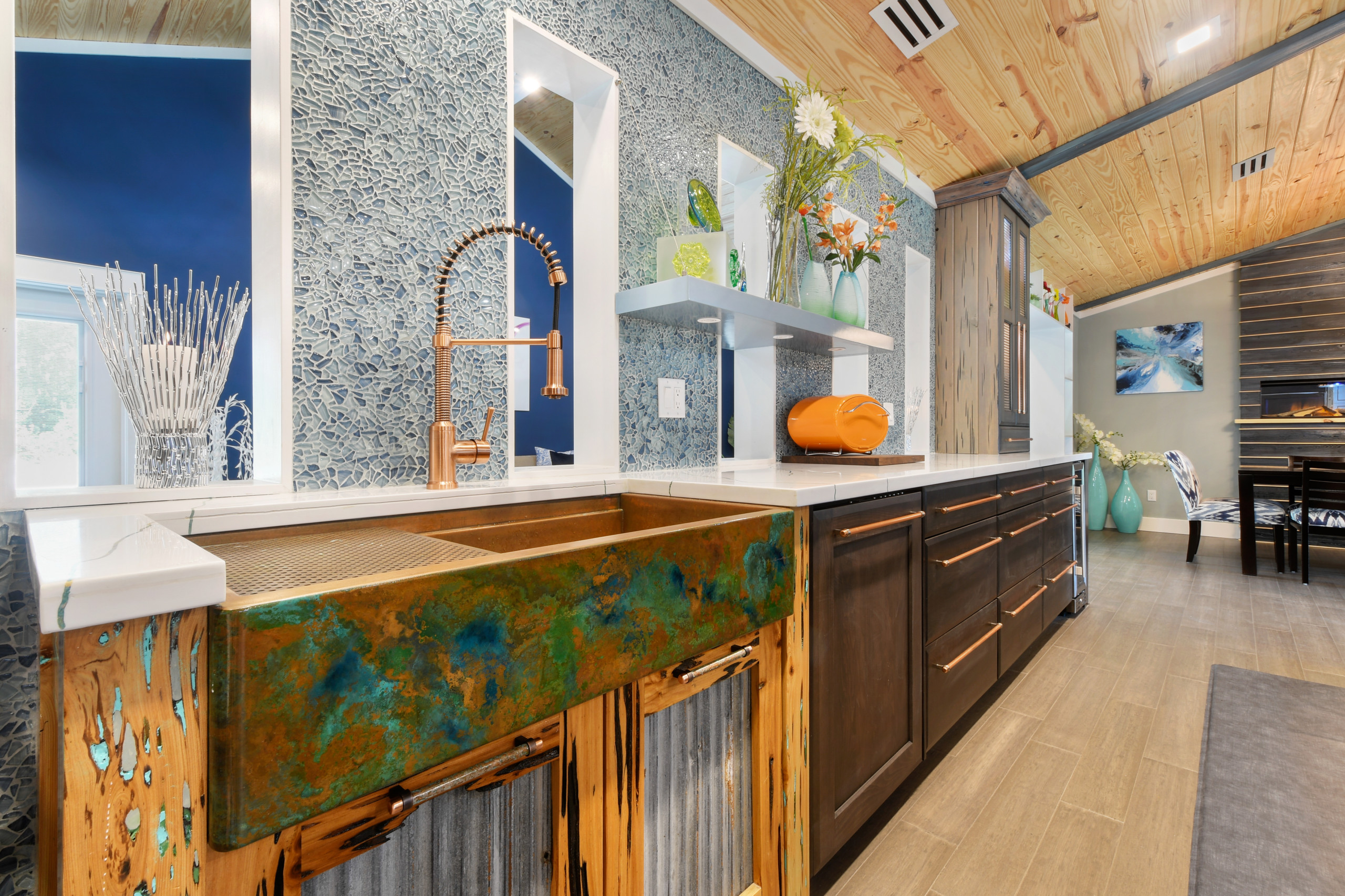 Patina sink / Beach blue backsplash
