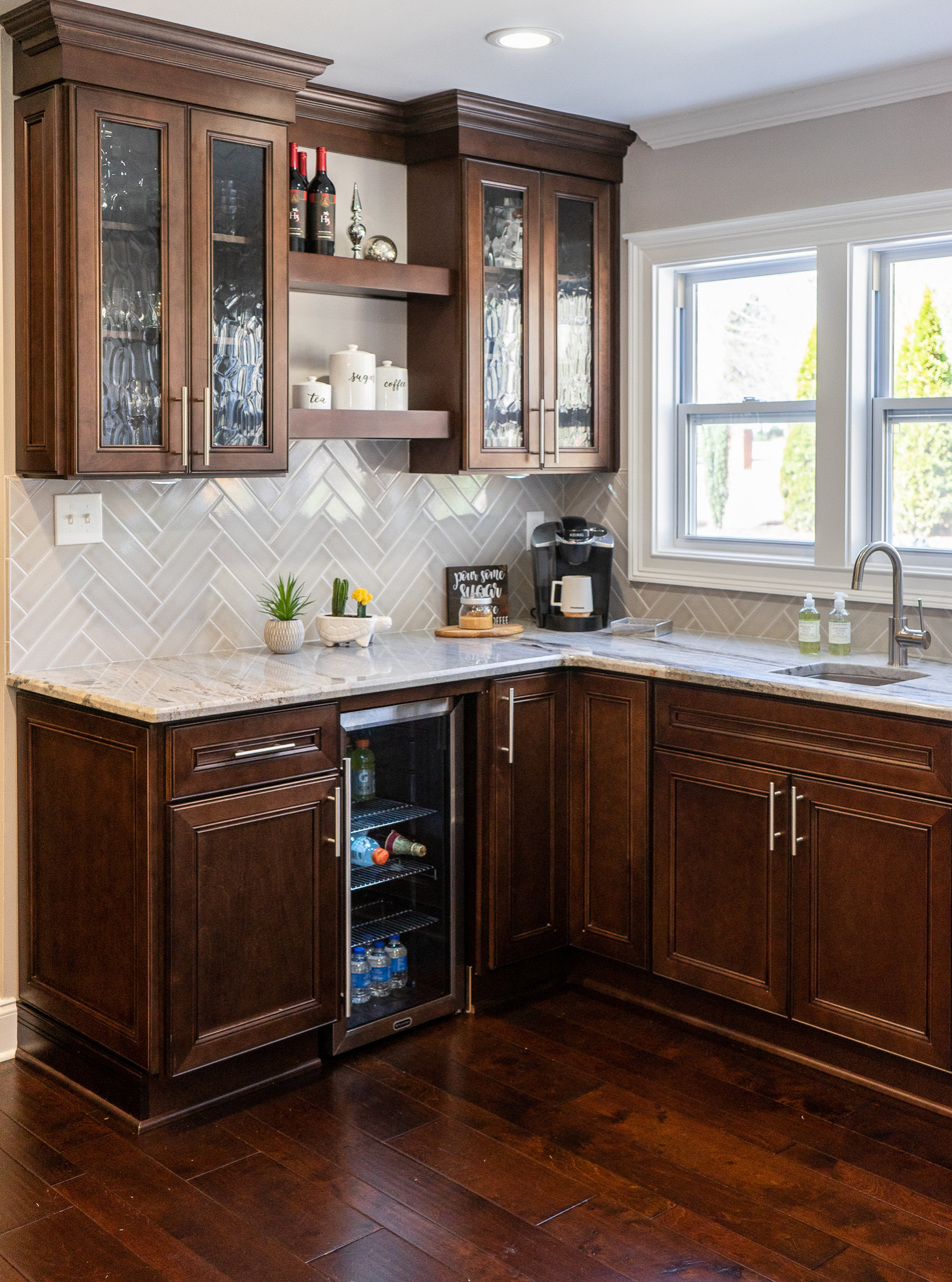 75 Beautiful Kitchen With Brown Cabinets Pictures Ideas April 2021 Houzz