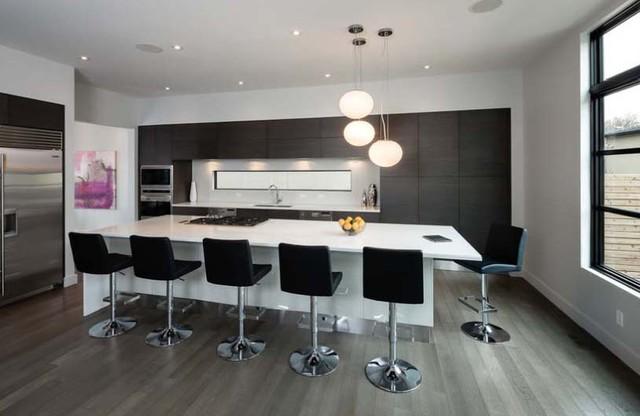 Pedini Kitchen with am ever changing backsplash contemporary-kitchen