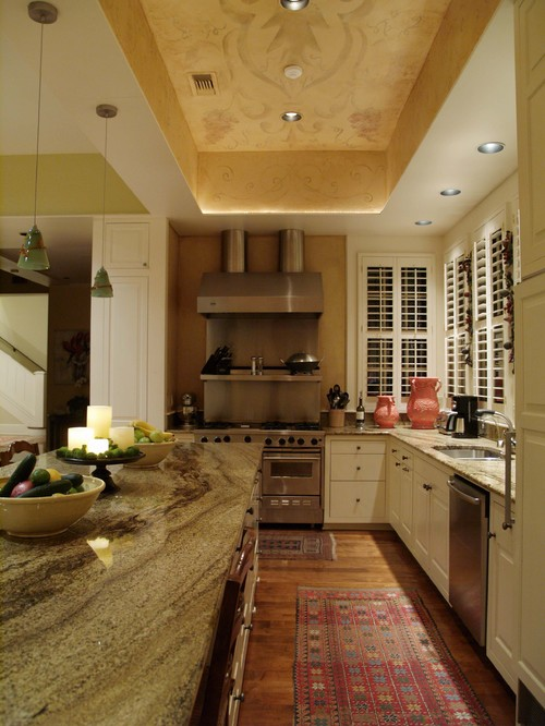 Pemberton Heights traditional kitchen