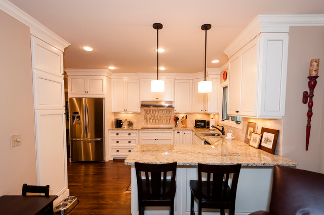 Peninsula Seating Traditional Kitchen Pictures