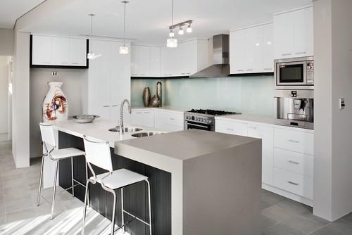 Neutral kitchen quartz countertops