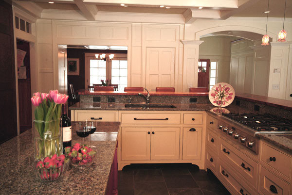 Perfect entertaining setup traditional kitchen for How to set up kitchen cabinets