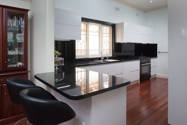 Perth kitchens nedlands contemporary kitchen perth for Kitchen designs perth