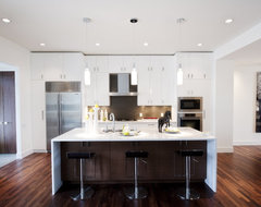 Piano White contemporary kitchen