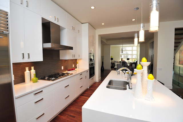 Piano White Contemporary Kitchen Calgary By Fifth Element Homes