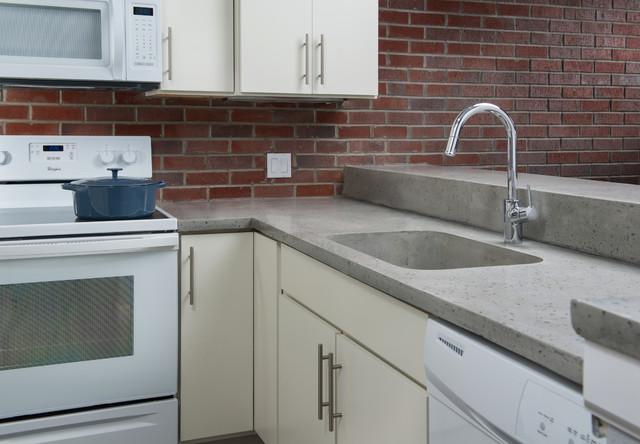 Piazza escondida el paso texas contemporary kitchen for Kitchen cabinets el paso