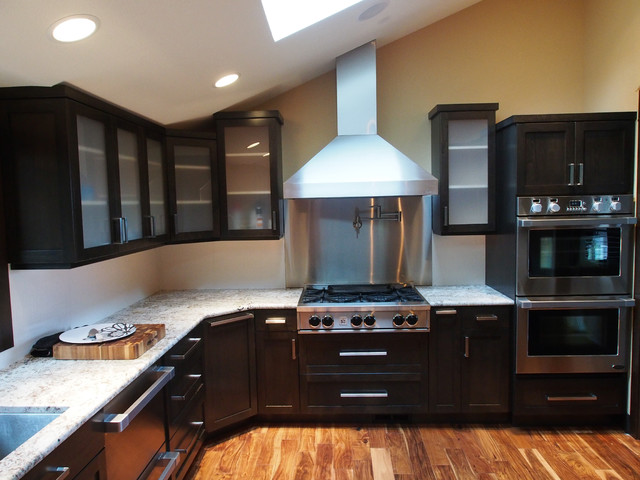 Pickering Kitchen contemporary