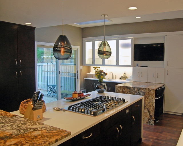 Pikesville 1 traditional kitchen by scotland kitchen for Traditional kitchen meaning