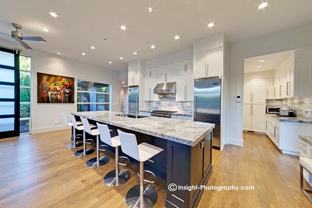 Pinnacle Homes contemporary-kitchen
