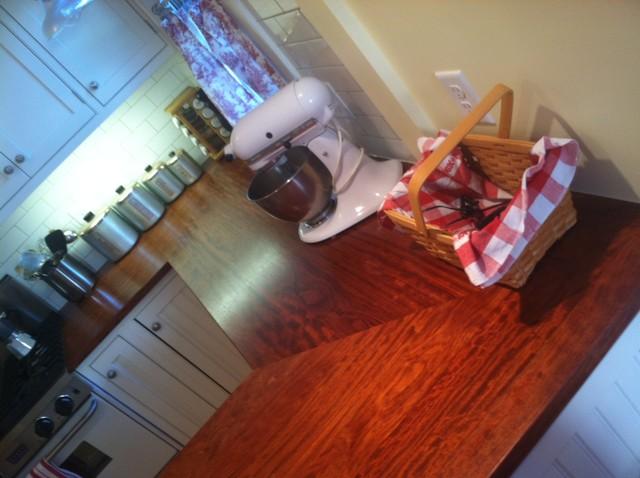 Lori's Cottage Kitchen traditional-kitchen