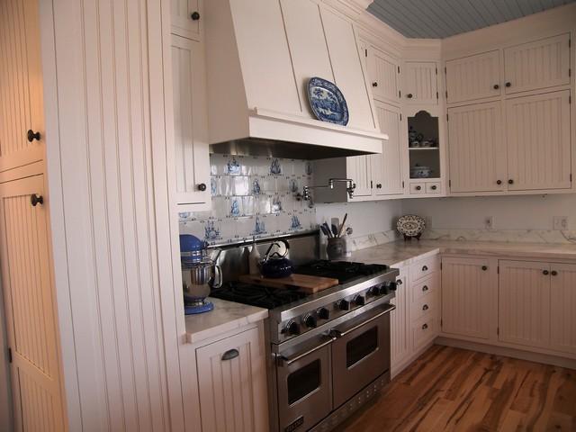 Plain & Fancy Custom Cabinetry eclectic-kitchen