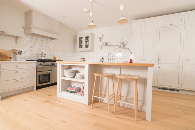 Plain and simple traditional kitchen cardiff by for Traditional kitchen meaning