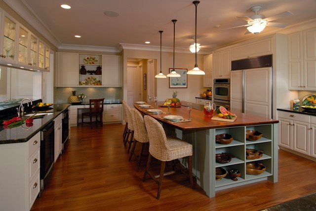 Plantation by the sea tropical kitchen hawaii by for Kitchens with islands in the middle