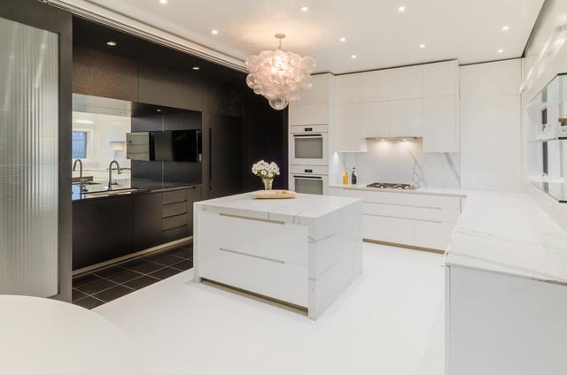 Gentil Plaza Kitchen Contemporary Kitchen