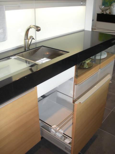 Plus Modo Kitchen contemporary-kitchen