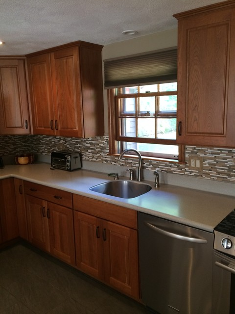 Plymouth Ma Raised Panel Cherry Traditional Kitchen Boston By Thomas Michaels