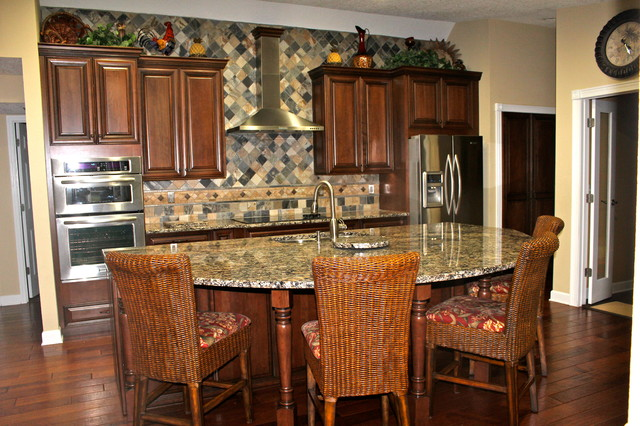 Pohl Project - Traditional - Kitchen - tampa - by Jamco Unlimited Inc