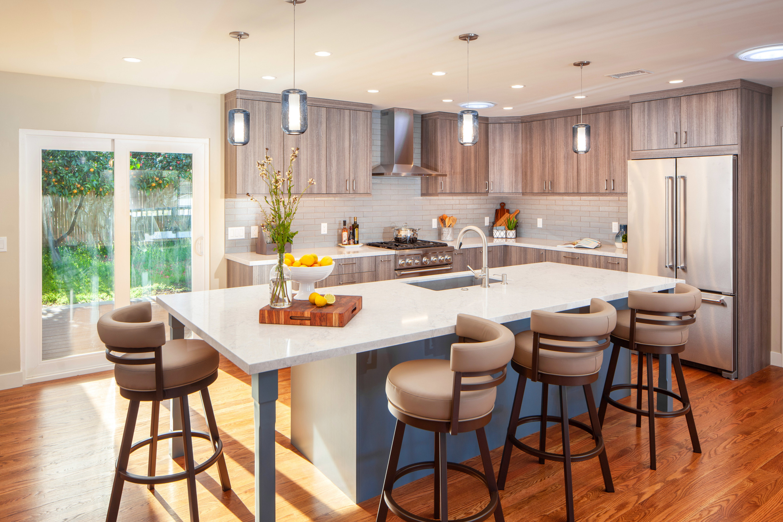 75 Beautiful Contemporary Eat In Kitchen Pictures Ideas September 2020 Houzz