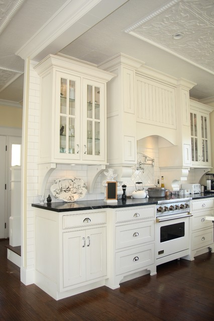 Inspiration for a timeless kitchen remodel in Grand Rapids